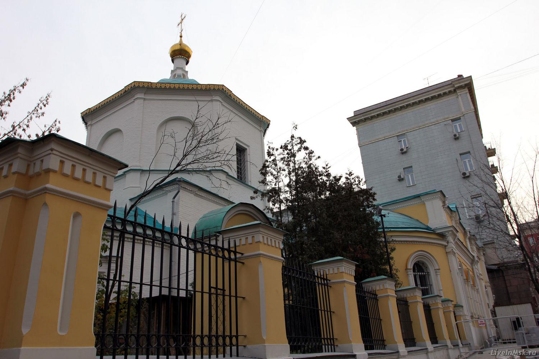 Церковь Благовещения Косьмы и Дамиана в Шубине, фото 2014 года