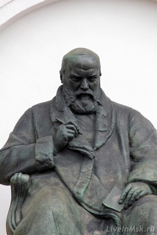Памятник Островскому, фото 2014 года