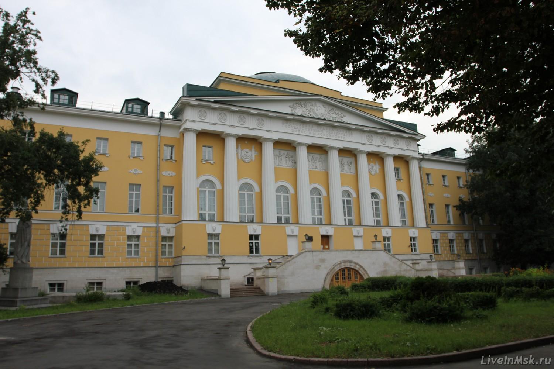 Здание московского университета на моховой иоганн люксембургский