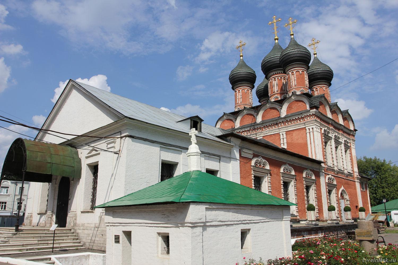 Высоко-Петровский монастырь, фото 2015 года