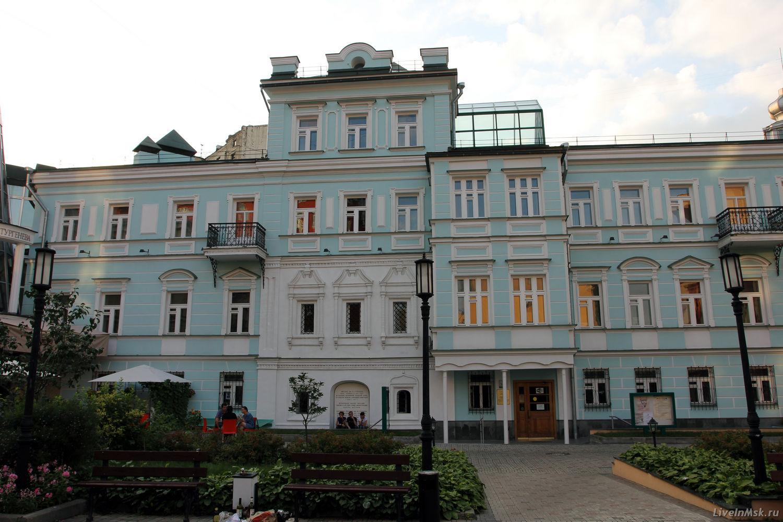Библиотека Тургенева, фото 2015 года