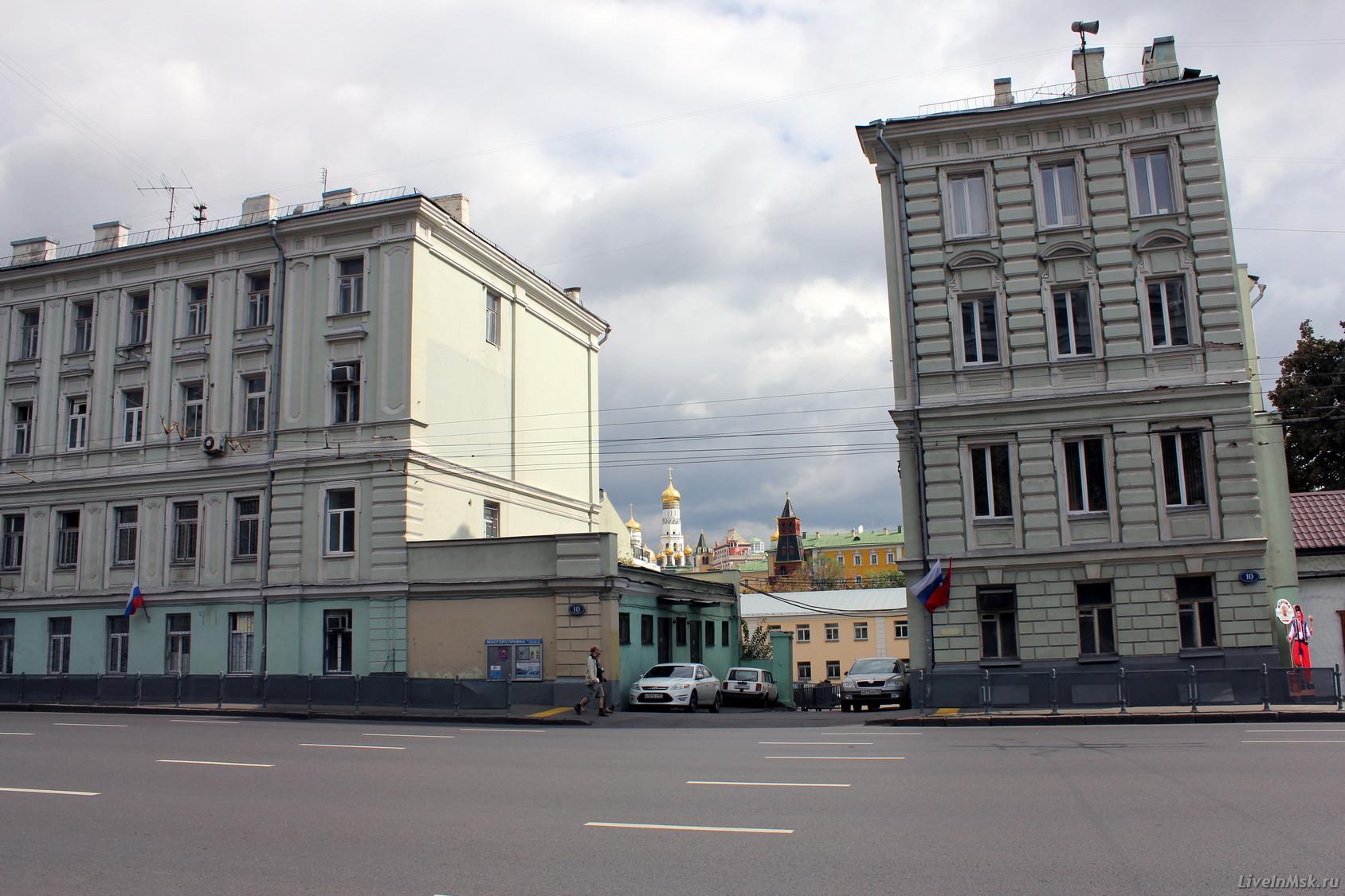 09894624dfe1 Позднее, на этой стороне, были открыты музей М.И.Калинина и кафе, здание с  аптекой снесено ещё позднее.