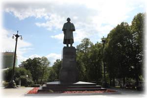 Памятник Н.В.Гоголю на Гоголевском бульваре