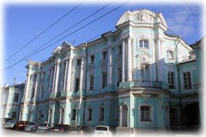 Апраксинский дом