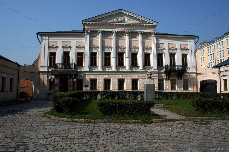 библиотека имени пушкина картинки