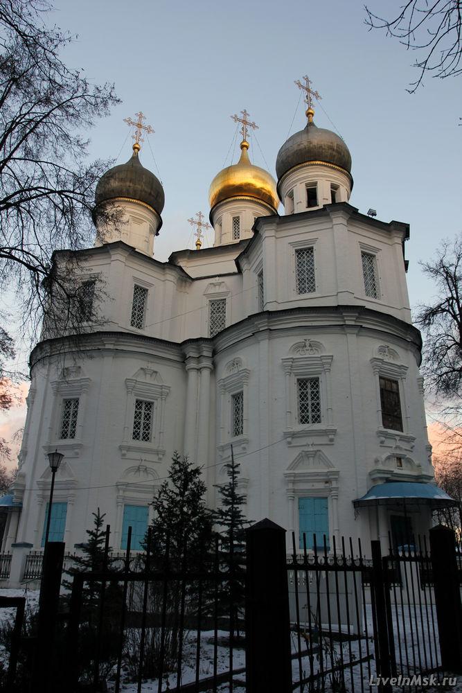 Казанский храм в Узком, фото 2012 года