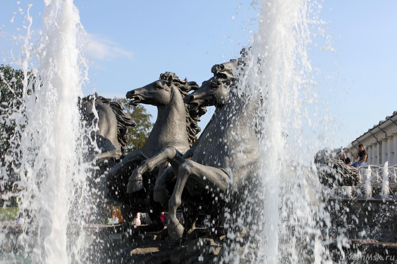 Фонтан «Четыре времени года» в Александровском саду