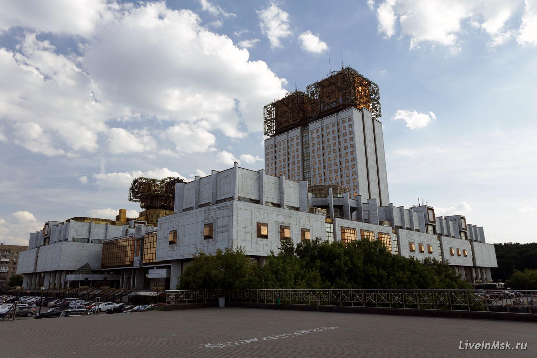 здание ран фото в высоком разрешении катаются качелях центральном