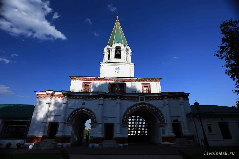 Передние ворота в Коломенском, фото 2015 года