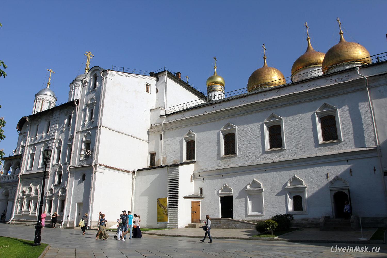 Патриаршие палаты с церковью Двенадцати апостолов, фото 2015 года