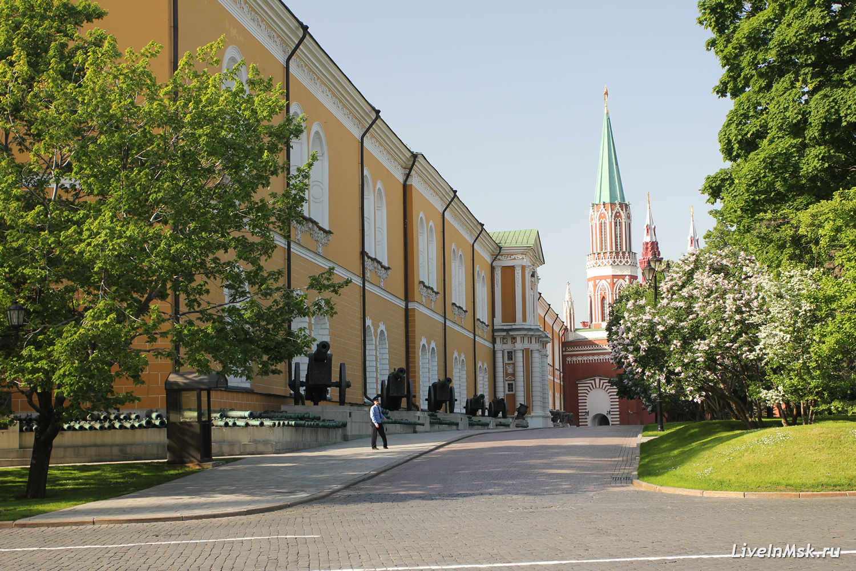 Сенатская площадь Московского Кремля, фото 2016 года