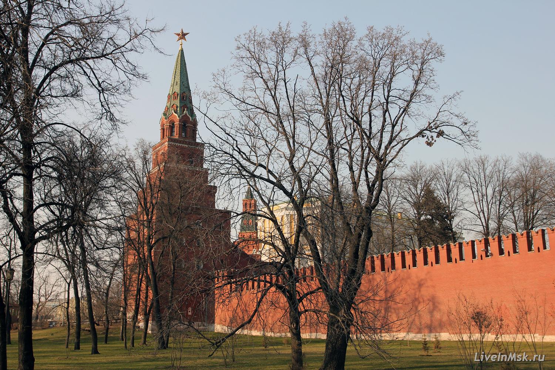 боровицкая башня московского кремля фото популярной одеждой
