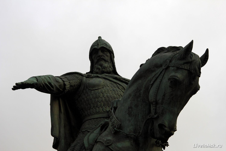 Памятник князю Юрию Долгорукому, фото 2015 год