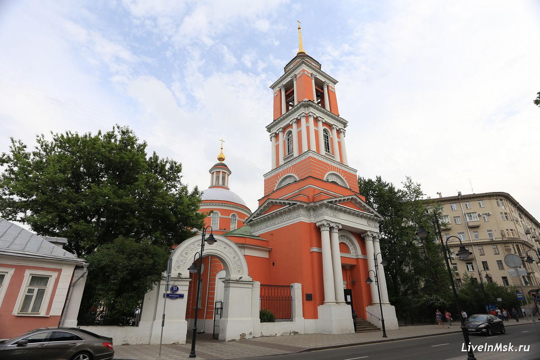 Церковь Троицы в Вишняках, фото 2016 года